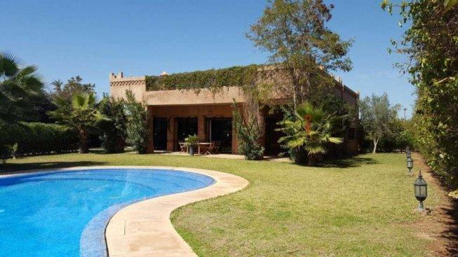 Belle villa 5 chambres avec piscine jardin bab atlas for Piscine 5 juillet bab ezzouar
