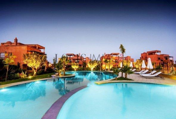 Somptueuse villa, beau design et une finition de grande ...