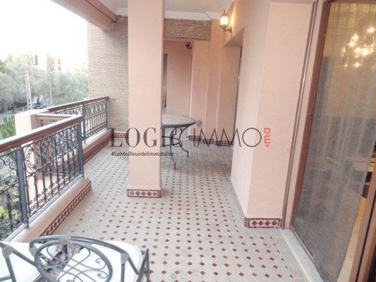 Bel appartement louer meubl avec une superbe terrasse for Appartement a louer a marrakech avec piscine