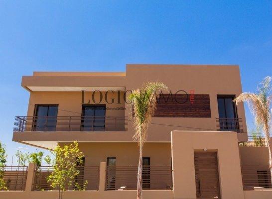 Belle villa contemporaine ref vpi 1736 vente villa for Construction piscine kenitra