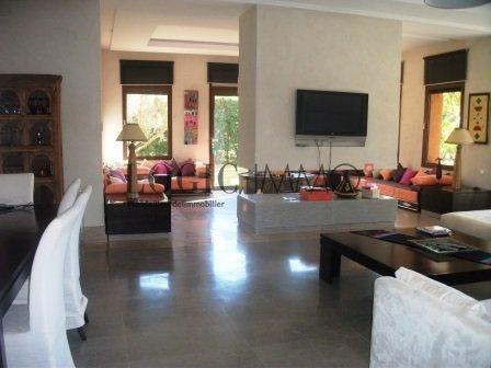 Superbe villa moderne meubl e avec magnifique jardin for Decoration maison au maroc